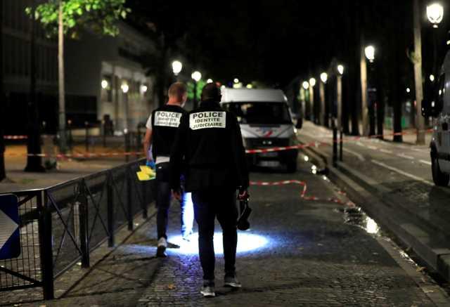 860269-رجال-الأدلة-الجنائية-بموقع-الحادث