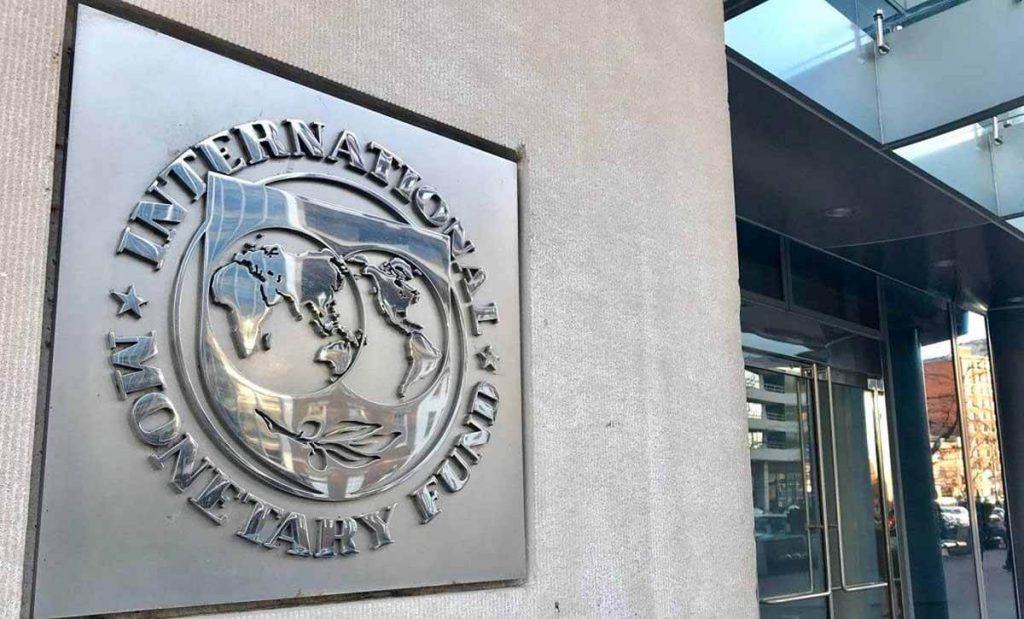 """صندوق النقد الدولي أو """"غودو""""… مَن الأفضل لإنقاذ الوضع الاقتصادي في لبنان؟"""