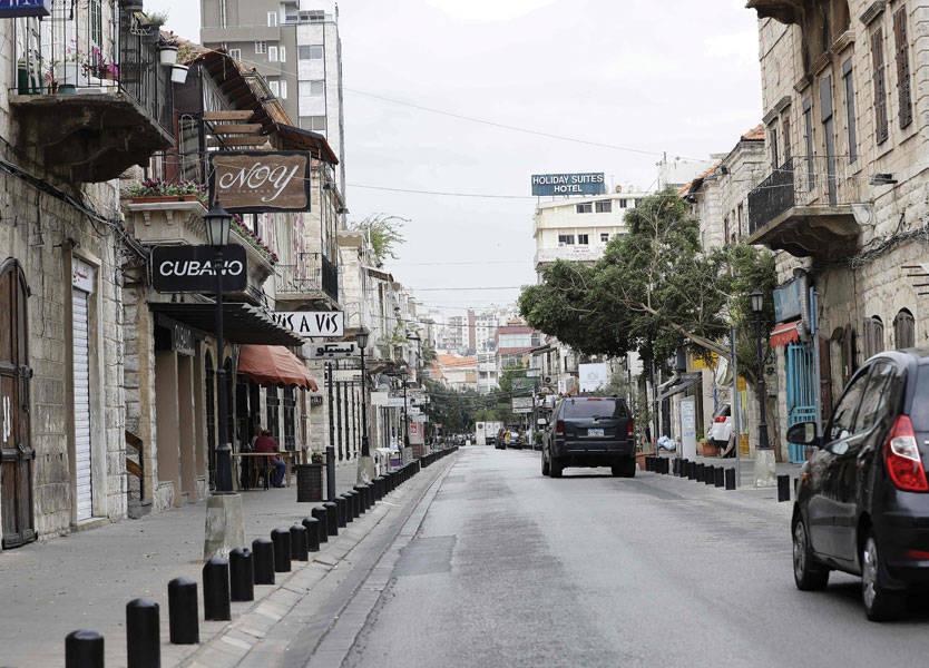 مفاجأتان: سقوط إضراب الهيئات الإقتصادية وبدء إضراب مفتوح لمحطات الوقود