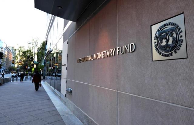 مسؤول سابق في صندوق النقد الدولي: عشرات ملايين الدولارات تخرج يومياً من لبنان إلى أربيل!
