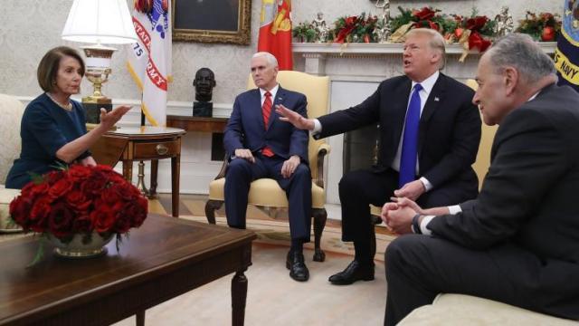 «مواجهة عزل حامية» بين ترامب والديمقراطيين